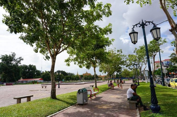 Wat Botum Park.JPG